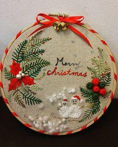 #Embroidery#stitch#needlework#handm made#marry christmas #프랑스자수#일산프랑스자수#자수#자수타그램#크리스마스리스 #크리스마스 리스 완성~ 12월 수강시작~