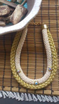 Χειροποίητα κολιέ απο ορειβατικο κορδόνι www.etsy.com/shop/bizeli Handmade Art, Handmade Necklaces, Swarovski, Beaded Necklace, Facebook, Color, Jewelry, Etsy, Fashion