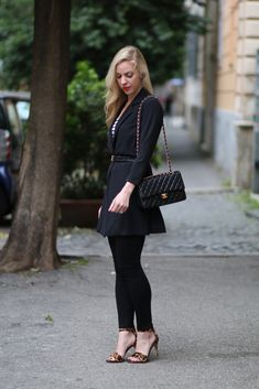 Motivi long black jacket, how to wear all black outfit, Chanel medium classic flap bag black lambskin, Joie leopard sandals, 7 for all mankind black ankle skinny, Italian fashion blogger