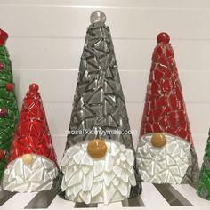 Tervetuloa Lahteen Kätevä&Tekevä-messuille la-su 4.-5.11. Nähdään mosaiikin merkeissä! www.mosaiikkimyymala.com #mosaiikkimyymälä #askartelu #diy #käsityö #tonttu #joulu #joulutonttu #kätevätekevä #mosaiikki Instagram Widget, Christmas Ornaments, Holiday Decor, Free, Christmas Jewelry, Christmas Decorations, Christmas Decor
