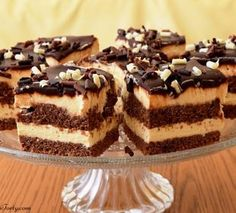 Czekoladowe ciasto z kremem śmietankowym. Baking Recipes, Cake Recipes, Food L, Food Cakes, Cream Cake, Tiramisu, Cheesecake, Sweets, Pasta