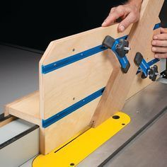 Woodworking Jigs Versatile Table Saw Jig Woodworking Table Saw, Woodworking Saws, Woodworking Patterns, Woodworking Workshop, Woodworking Techniques, Woodworking Crafts, Woodworking Store, Carpentry, Woodworking Organization