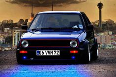 THAT color with THOSE lights and THAT red pinstriped grill = AMAZING Volkswagen Auto Group, Volkswagen Jetta, Golf Gti R32, Jetta A2, Vw Mk1, Vw Cars, Motor Car, Auto Motor, Passion
