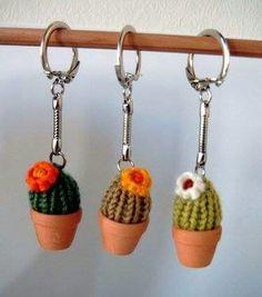 52 ideas for crochet keychain cactus Quick Crochet, Love Crochet, Crochet For Kids, Crochet Yarn, Crochet Toys, Crochet Cactus, Crochet Flowers, Easy Crochet Patterns, Crochet Designs