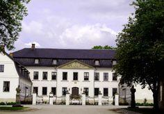 Hafslund hovedgård, Statsminister Torps vei 2, NO-1722 Sarpsborg Country Estate, Villas, Castles, Norway, Mansions, Architecture, House Styles, Home, Arquitetura