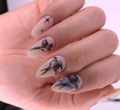 25 Exciting Ideas For New Years Nails To Warm Up Your Holiday Mood Nail art is the art of decorating nails with various materials found in the market. New Years Nail Designs, Winter Nail Designs, Christmas Nail Designs, Cool Nail Designs, Christmas Nails, Winter Nails, Spring Nails, Garra, Holiday Mood