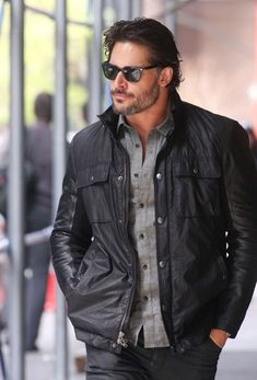 Joe Manganiello Photos Photos - Joe Manganiello Strolls Around NYC 2 - Zimbio