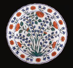 A fine Iznik polychrome dish, Turkey, circa 1575 - Sothebys