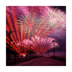 Stunning Fireworks Photos Smashing Magazine ❤ liked on Polyvore featuring fireworks