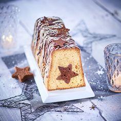 Une magnifique bûche de Noël qui renferme un cœur étoilé en chocolat. French Food, Krispie Treats, Cake Cookies, Tiramisu, Biscuits, Pudding, Ethnic Recipes, Desserts, Genre
