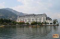 Grand Hotel http://www.bucketlist.ro/plimbare-pe-lacul-zell-din-statiunea-zell-see/