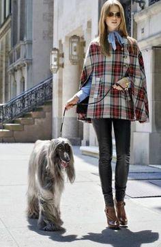 Plaid coat-poncho – New York Fashion New Trends City Chic, Retro Chic, Tartan Mode, Tartan Fashion, Mode Style, Street Chic, Street Fashion, Autumn Winter Fashion, Fall Fashion