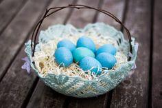 a bit of sunshine: make something monday :: doily easter baskets