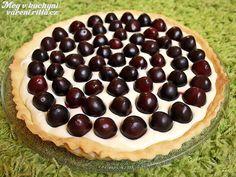 Koláč s třešněmi a bílou čokoládou