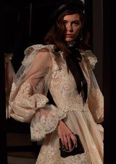 Timeless Fashion, High Fashion, Fashion Show, Fashion Design, Classy Outfits, Cool Outfits, Runway Fashion, Womens Fashion, Looks Chic