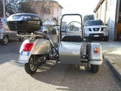 Vespa Gts, Sidecar, Motorcycle, Windows, Motorcycles, Motorbikes, Ramen, Choppers, Window