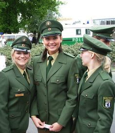 German Police girls Police Uniforms, Girls Uniforms, Military Women, Military Police, Idf Women, Female Police Officers, Tough Girl, Female Soldier, Armed Forces