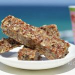 These delicious breakfast bars are adapted from a lovely recipe by Dr Libby. This is pure Sydney food to me - great tasting, simple and really nourishing. These yummy bars make a great quick breakfast, snack or, I have to admit, I love them with an. Healthy Meals For Kids, Healthy Treats, Kids Meals, Healthy Food, Sugar Free Recipes, Raw Food Recipes, Snack Recipes, Healthy Recipes, Breastfeeding Nutrition