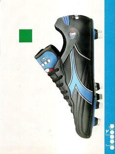 Pubblicità SCARPE CALCIO DIADORA Anni 80 Advert Werbung Reklame Publicitè 111 | eBay Soccer Boots, Soccer Cleats, Diadora Sneakers, Football Kits, Vintage Football, Predator, Golf Bags, Running Shoes, Advertising