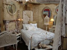 Dream in Cream: ~ Before and After Antiques Booth ~ LOVe the script on the walls!