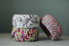 liberty of london bracelets - love this for using up scraps! Liberty Fabric, Liberty Print, Fabric Crafts, Diy Crafts, Liberty Of London, Beading, Fabrics, Profile, Textiles