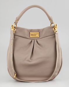 http://harrislove.com/marc-by-marc-jacobs-classic-q-hillier-hobo-bag-beige-p-1493.html  In black