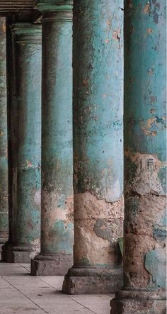 Aging turquoise pillars