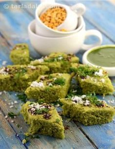 Toovar methi na dhokla looks so smart that it literally lures the diners to try it! and, once they try it, they just cannot stop with one because it is so tasty. The liberal use of chillies makes it appealing to spice lovers, while the goodness of toovar dal and methi makes it acceptable to the health-conscious as well. However, don't underestimate this recipe—does need a bit of practice to perfect it!