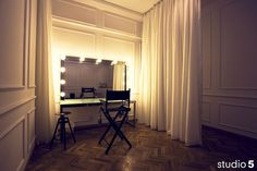 studio 5 / Makeup room by CHENXI WOO, via Flickr
