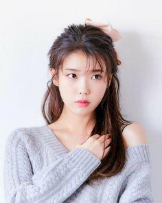 Korean Girl Photo, Cute Korean Girl, Asian Girl, Iu Twitter, Chica Cool, Asian Celebrities, Iu Fashion, Korean Actresses, Korean Beauty