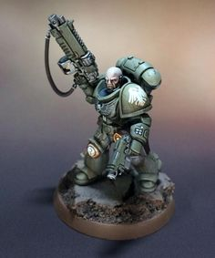 Primaris Lieutenant with bolt rifle and bolt pistol Figurine Warhammer, Warhammer 40k Miniatures, Warhammer Models, Warhammer Fantasy, Warhammer 40000, Miniaturas Warhammer 40k, Space Wolves, Minis, Game Workshop