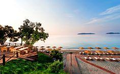 Top eight voucher websites for the best travel deals: http://livesharetravel.com/13826/travel-voucher-websites/
