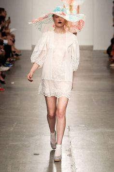 Ivana Helsinki Spring 2014 Ready-to-Wear Collection