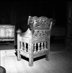 """Heddal Chair Kulturhistorisk museum, UiO / CC BY-NC-ND 3.0 """"Bishop's Chair"""" in Heddal stave church dated to the 13th century"""