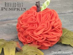 These pretty ruffled felt pumpkin will last for many Halloweens! Kidfolio - the app for parents - kidfol.io