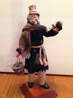 "VERY RARE Simpich Character Doll, Diggs the Clam Vendor, ""Little London"" 1980s"