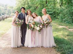 Bridal Party Simple Flower Crown, White Flower Crown, Wedding Looks, Bridal Looks, Wedding Party Dresses, Wedding Attire, Farm Wedding, Summer Wedding, Wedding Ideas