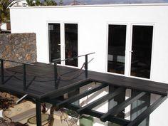 Tarima de exterior Outdoor Tables, Outdoor Decor, Outdoor Furniture, Home Decor, Homemade Home Decor, Decoration Home, Patio Table, Yard Furniture, Interior Decorating
