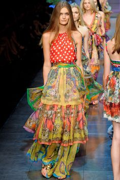 See the complete D&G Spring 2012 Ready-to-Wear collection.