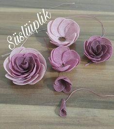 """981 Beğenme, 123 Yorum - Instagram'da süslüiplik (@susluiplik): """"Hayırlı akşamlarınız olsun 🤗GÜLLERİN SAYISINI merak edenler burada mı ? işte sayılar lütfen…"""" Crochet Flowers, Fabric Flowers, Embroidery Patterns, Hand Embroidery, Knit Shoes, Needle Lace, Knitted Shawls, Flower Frame, Knitting Socks"""