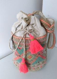 Kup mój przedmiot na #vintedpl http://www.vinted.pl/damskie-torby/torby-na-ramie/14297216-torba-worek-primarkatmosphere-boho-styl