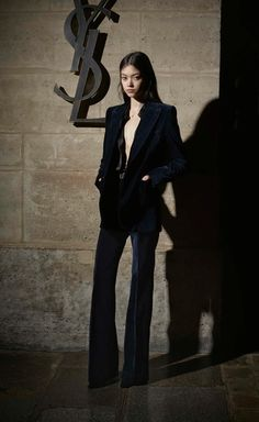 Mode Outfits, Fashion Outfits, High Fashion, Fashion Show, Fashion News, Saint Laurent Paris, Saint Laurent Dress, Vogue Russia, Flare Pants