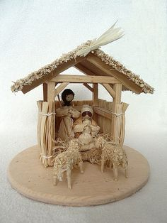 Bello.. Christmas Nativity Scene, Merry Christmas To All, Rustic Christmas, Christmas Art, Doll Crafts, Diy Doll, Corn Husk Crafts, Corn Husk Dolls, Nativity Crafts