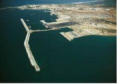 Os investimentos com o tipo risco baixo ou maior a perdia de retorno económico nos portos continentais nacionais as razões de procurar, de localização dos terminais e de capacidade de receber os navios.