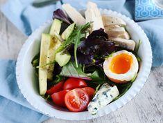 Egy finom Kéksajtos-tojásos csirkesaláta (cobb saláta) ebédre vagy vacsorára? Kéksajtos-tojásos csirkesaláta (cobb saláta) Receptek a Mindmegette.hu Recept gyűjteményében! Cobb Salad, Ale, Healthy Recipes, Healthy Meals, Food, Clean Eating, Ale Beer, Essen, Healthy Eating Recipes