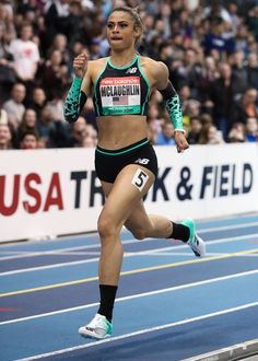 Sydney McLaughlin Runs World Lead in Professional Debut Running Pose, Girl Running, Sydney Mclaughlin, Jackie Joyner Kersee, Fit Girls Bodies, Chico Fitness, Sporty Girls, Poses, Body Motivation
