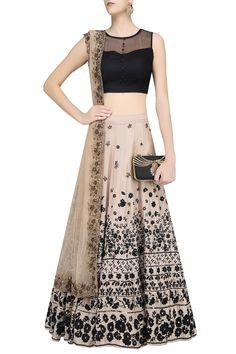 Lehenga : Buy lehenga choli, chaniya choli & bridal lehenga online - Pernia's Pop Up Shop Lehenga Gown, Party Wear Lehenga, Indian Lehenga, Anarkali, Pakistani, Indian Fashion Dresses, Ethnic Fashion, Women's Fashion, Indian Wedding Outfits