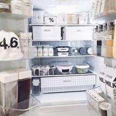 Queenbeeさんの、ハリオ,キッチン収納,収納,見せる収納,シンプル収納,ニトリ,IKEA,白黒,シンプル,白黒マニア,暮らし,白黒 収納,冷蔵庫,ラベリング,キッチン,のお部屋写真