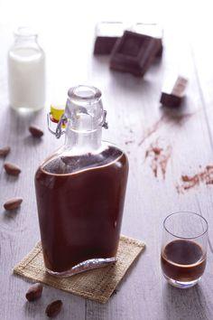Ecco una vera delizia liquida: #liquore al #cioccolato homemade! #Giallozafferano #recipe #ricetta #christmas #natale