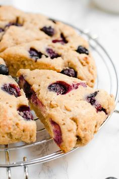 Healthy Lemon Blueberry Scones -- only 135 calories! Light & tender, even with no heavy cream! And you just need 1 bowl + 30 minutes to make them! ♡ best lemon blueberry scones. easy blueberry lemon scones recipe. greek yogurt lemon blueberry scones.